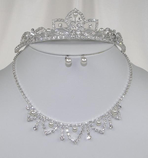 683f14870e3 Souprava se šperky svatební bižuterie - náhrdelník + náušnice s puzetou +  korunka do vlasů
